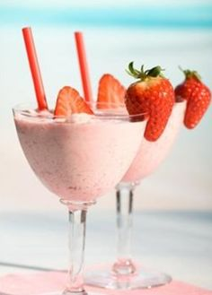 Smoothies and Slushies on Pinterest | Frozen Drink Recipes, Smoothie ...
