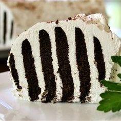 Zebra Cake III Use vanilla wafers and chocolate wafers Chocolate Wafer Cookies, Chocolate Wafers, Chocolate Desserts, Just Desserts, Delicious Desserts, Frozen Desserts, Icebox Cake, Cookies And Cream, Vegetarian Chocolate
