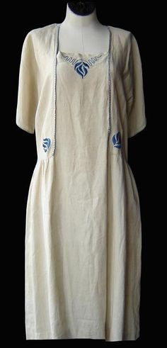 Linen Arts & Crafts day dress | source unknown | 1920s