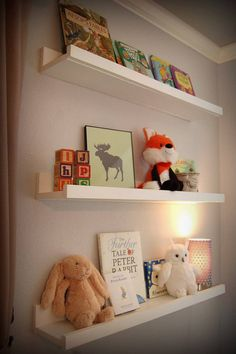 Book shelves for toddler room