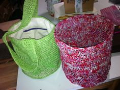 lined plastic bag made out of plastic bags; plastic bag basket for your trash 70 TL, 23 euro; Bag Making, Making Out, Produce Bags, Plastic Bags, Market Bag, Euro, Shopping Bag, Basket, Plastic Carrier Bags