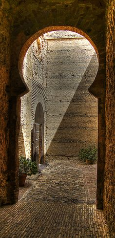 Alcazar de Jerez de la Frontera, Andalusia, Spain  ~~ For more:  - ✯ http://www.pinterest.com/PinFantasy/viajes-espa%C3%B1a-en-im%C3%A1genes/
