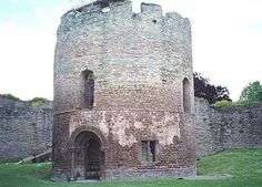 Norman chapel at Ludlow, built in the 12th century by Sir Gilbert de Lacy to celebrate a victory.  http://en.wikipedia.org/wiki/Ludlow_Castle