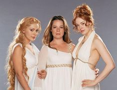 Phoebe, Piper et Paige, en déesse Paige Charmed, Serie Charmed, Charmed Tv Show, Charmed Sisters, How Soon Is Now, Family Tree With Pictures, Playboy Logo, Mermaid Artwork, Mix Photo