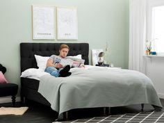 EASE 180 Kontinentalsäng Svart - Prisvärd säng med snygg huvudgavel.