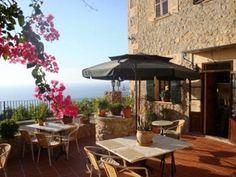 €105 Das Hotel d'Interior Ca Mado Paula ist ein kleines Hotel im Dorf Banyalbufar im Gebirge Sierra de Tramuntana auf Mallorca.