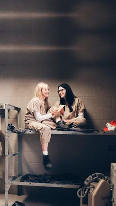 Bury me with this Alex Vause, Laura Prepon, Orange Is The New Black, Looks Rihanna, Alex And Piper, Piper Chapman, Taylor Schilling, Cute Lesbian Couples, About Time Movie