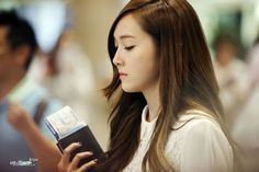 Jessica at Gimpo Airport on October travelling to Tokyo to receive the Best Jeanist Award with Girls' Generation. Click pics for full resolution Credit: Usnthem (Korean) Jessica & Krystal, Jessica Jung, Airport Style, Airport Fashion, Ice Princess, Girls Generation, Snsd, Long Hair Styles, Beauty