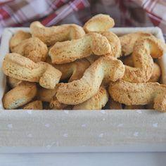 Mini Nusshörnchen – Das Küchengeflüster - New ideas Italian Cookies, Italian Desserts, Italian Recipes, Gourmet Recipes, Sweet Recipes, Cookie Recipes, Dessert Recipes, Biscotti Biscuits, Biscotti Cookies