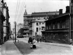 Yrjönkatu 1, 3 ja 4. Foto: Signe Brander, 1907. Old Pictures, Old Photos, History Of Finland, Finnish Language, Back In Time, Natural Resources, Historical Pictures, Helsinki, Time Travel
