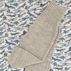 PixenDk — Helt Klein No. Str Præmatur til 24 Mdr. Knitting Wool, Leg Warmers, Ravelry, Winter Hats, Barn, Vest, Throw Pillows, Children, Sweaters