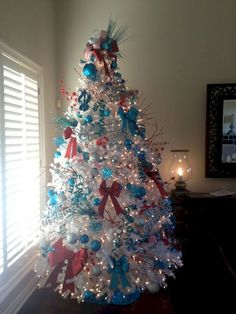 Unique Christmas tree creations that you can do yourself at home. Come on, cheat the idea! Christmas celebration is not complete without the presence of Christmas trees. This tree is usually placed in a public space, such as a family… Continue Reading → Red And Gold Christmas Tree, Turquoise Christmas, Merry Christmas, Christmas Tree Design, Beautiful Christmas Trees, Holiday Tree, Christmas Tree Decorations, Xmas Trees, Coastal Christmas