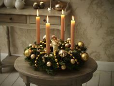 Advent wreath candles are a great way to begin family devotions and family gathered around the fireplace. Christmas Candle Centerpieces, Advent Wreath Candles, Christmas Table Decorations, Diy Christmas Ornaments, Christmas Time, Christmas Wreaths, Holiday Decor, 242, Diy Weihnachten
