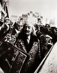 Las mil caras de Salvador Dalí en estos raros y divertidos retratos del artista