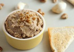 Walnut and garlic chickpea pate. Walnut and roasted garlic chickpea pate (vegan) Best Vegan Recipes, Vegetarian Recipes Easy, Cooking Recipes, Favorite Recipes, Passover Recipes, Vegan Ideas, Chickpea Recipes, Yummy Recipes, Healthy Recipes