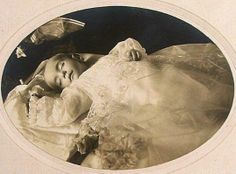 Post mortem photography: Little Esther Mae Carter, daughter of M.M. Carter and Grace A. Johnson, Park City, 2828 Rutledge Pike, Tennessee, born on June 18, 1915, died April, 2, 1916. Cause of death was measles with pneumonia. Buried at Woodlaw Cemetary.