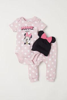 H&M Three-piece Cotton Set - Light pink/Minnie Mouse - Kids Disney Outfits Girls, Disney Baby Clothes, Newborn Girl Outfits, Little Girl Outfits, Baby Disney, Toddler Outfits, Miki Mouse, Pink Minnie, Baby Girl Fashion