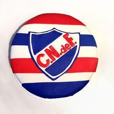 Torta Nacional Futbol / Soccer Cake Soccer Cake, Burger King Logo, Chicago Cubs Logo, Lululemon Logo, Team Logo, Cakes, Kids, Sweets, Deserts