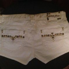 Guess Jeans White Studded Shorts Size 28 Brand New - $40 White Jeans, White Shorts, Studded Shorts, Guess Jeans, Brand New, How To Wear, Clothes, Fashion, Outfits