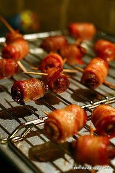 An old favorite.....bacon-wrapped dates