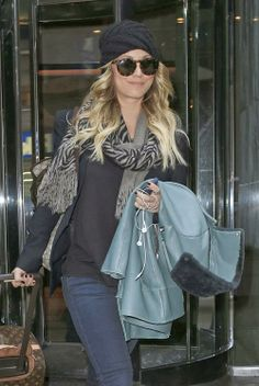 Stuning Celebrities: Kaley Cuoco And Ryan Sweeting Checked Out Of The L...