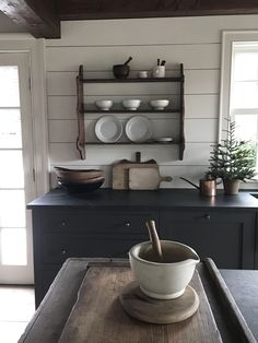 Farmhouse Kitchen Decor Ideas: Great Home Improvement Tips You Should Know! You need to have some knowledge of what to look for and expect from a home improvement job. Farmhouse Kitchen Interior, Colonial Kitchen, Rustic Farmhouse, Kitchen Dinning, Kitchen Decor, Teal Kitchen, Kitchen Ideas, Above Kitchen Cabinets, Open Plan Kitchen