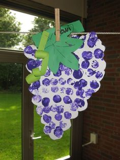 Numeri 13: De verkenning van Kanaän. stempelen vingerafdruk druiventros