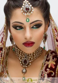 Indian Bridal Hair And Makeup. New bridal hair and makeup ideas ~ pak fashion, 20 indian bridal hair and makeupjpg. Pics photos indian wedding hair and makeup. Bride Makeup, Wedding Makeup, Beauty Make-up, Beauty Hacks, Beauty Tips, Party Makeup, Eye Makeup, Belly Dance Makeup, Smokey Eyes Tutorial