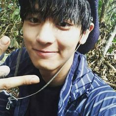 Find images and videos about exo, chanyeol and exo k on We Heart It - the app to get lost in what you love. Park Chanyeol Exo, Baekhyun, Law Of The Jungle, Exo Korean, Charming Man, Xiu Min, Chanbaek, Editing Pictures, Cute Anime Character