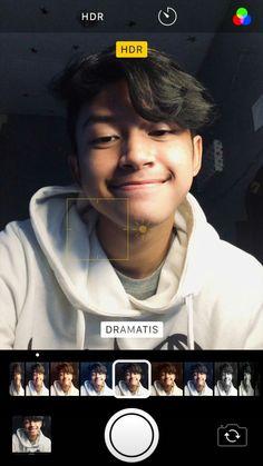 Aesthetic Pastel Wallpaper, Aesthetic Wallpapers, Korean Boys Ulzzang, Cute Boys Images, Cute Teenage Boys, Selfie Poses, Aesthetic Boy, Rose Wallpaper, Bad Mood