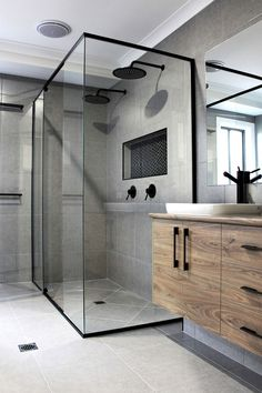 42 Super Creative DIY Bathroom Storage Projects to Organize Your Bathroom on a Budget - The Trending House Modern Bathroom Decor, Budget Bathroom, Bathroom Styling, Bathroom Interior Design, Small Bathroom, Bathroom Trends, Dream Bathrooms, Bathroom Designs, Beautiful Bathrooms