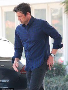 Patrick Dempsey looks on edge as he runs errands WITHOUT wedding band Greys Anatomy Derek, Greys Anatomy Cast, Greys Anatomy Episodes, Greys Anatomy Characters, Patrick Demsey, Eric Dane, Derek Shepherd, Boy Idols, Good Looking Men