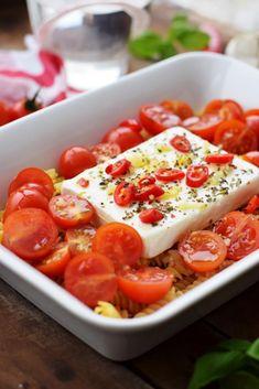 Tomato Pasta Recipe, Feta Pasta, Meatless Pasta Recipes, Easy Dinner Recipes, Spicy Recipes, Pork Recipes, Healthy Recipes, Eat Smart, Roasted Vegetables