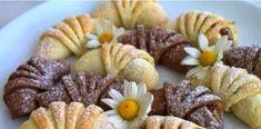 Εύκολα και νόστιμα κρουασανάκια μήλου με σπιτική ζύμη Greek Bread, Cooking Time, Cooking Recipes, Bread Art, Sweet Recipes, Sausage, Muffin, Sweets, Baking