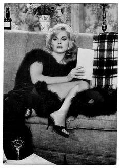 Virna Lisi in Les poupées / Le Coup de téléphone directed by Dino Risi, 1964