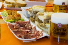 Enjoy this 3 hour tapas tour around bars of the old and unique city of Valencia. We have picked out 3 of the best high-quality tapas bars. Delicious tapas tasting menus and drinks are included in price. Apart from tasting distinctive food, you will l Places Worth Visiting, Tapas Bar, Tasting Menu, Lunch Time, Valencia, Trip Advisor, Tours, Snacks, Ethnic Recipes