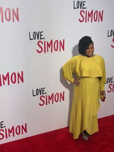 Natasha Rothwell who plays Ms. Albright in Love, Simon on the red carpet. Great Love Stories, Love Story, A Funny, Hilarious, Simon Spier, Becky Albertalli, Coming Of Age, Plays, Falling In Love