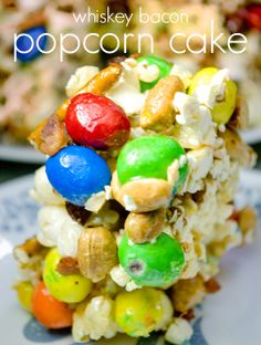 Whiskey Bacon popcorn cake Because who doesn't love AND Bacon Popcorn, Popcorn Cake, Candy Popcorn, Sugar Rush, Sweet And Salty, Desert Recipes, Fruit Salad, Whiskey, Special Occasion