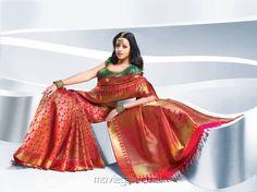 kerala wedding saree Kerala Wedding Saree, Saree Wedding, Bridal Sarees, Jute Silk Saree, Bhavana Actress, Bride Reception Dresses, Bollywood Outfits, Traditional Indian Wedding, Traditional Styles