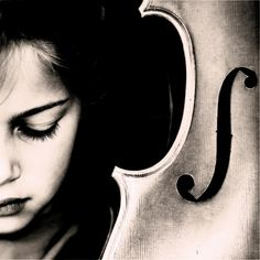 Richard Brocken takes portraits of his daughter Eva.