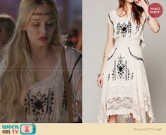 Scarlett's white dress with black embroidery on Nashville. Outfit Details: http://wornontv.net/28607 #Nashville #fashion