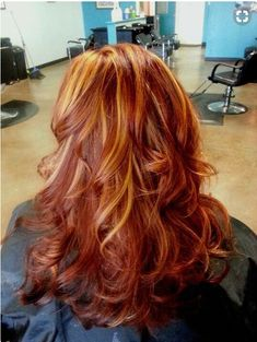 Red with blonde/copper highlights, copper hair color for auburn ombre brown amber balayage and blonde hairstyles Red Hair With Blonde Highlights, Red Blonde Hair, Red Brown Hair, Copper Highlights, Orange Highlights, Ombre Brown, Rose Blonde, Caramel Highlights, Dark Blonde