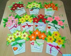 Image gallery – Page 476607573060556842 – Artofit Valentine Crafts For Kids, Mothers Day Crafts, Flower Cards, Paper Flowers, Birthday Bulletin Boards, Diy And Crafts, Kids Crafts, Paper Gifts, Spring Crafts