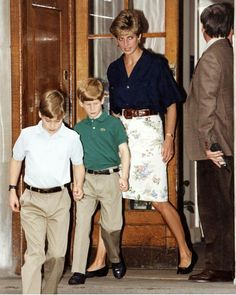 Young Harry and William with their mom. Never seen this before!