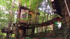 Take a tour of the treehouse that& AirBnb& most-wished-for listing in the world. My Secret Garden, Treehouse, Cozy House, Wish, Places To Go, Things To Do, The Incredibles, Tours, Vacation