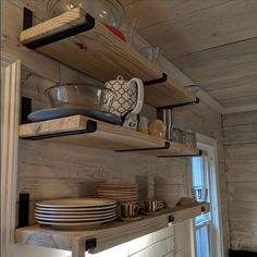 Diy Wood Shelves, Metal Shelves, Open Shelving, Floating Shelves, Rustic Wood Shelving, Diy Kitchen Shelves, Industrial Shelving Kitchen, Farmhouse Shelving, Diy Shelving