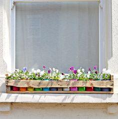 Latas-coloridas-para-dar-um up-no jardim