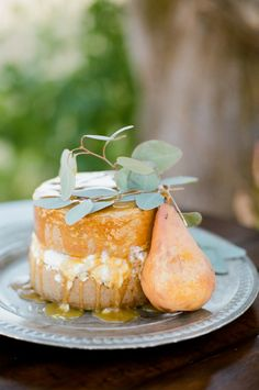 Honey glazed naked cake: http://www.stylemepretty.com/colorado-weddings/franktown/2016/07/14/the-wild-west-gets-a-romantic-makeover-with-this-inspiration-shoot/ | Photography: Tamara Gruner Photography - http://www.tamaragruner.com/