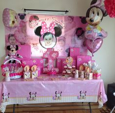 1st birthday Minnie Mouse theme :)