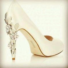 Sapatos para noivas   Casar é um barato